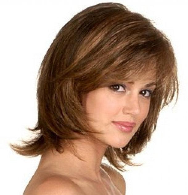 Стрижки на средние волосы с объемом на макушке фото - 0c0e9
