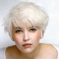 Обесцвечивание волос - YouTube