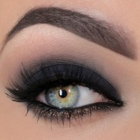 black-shadows-smoky-eyes